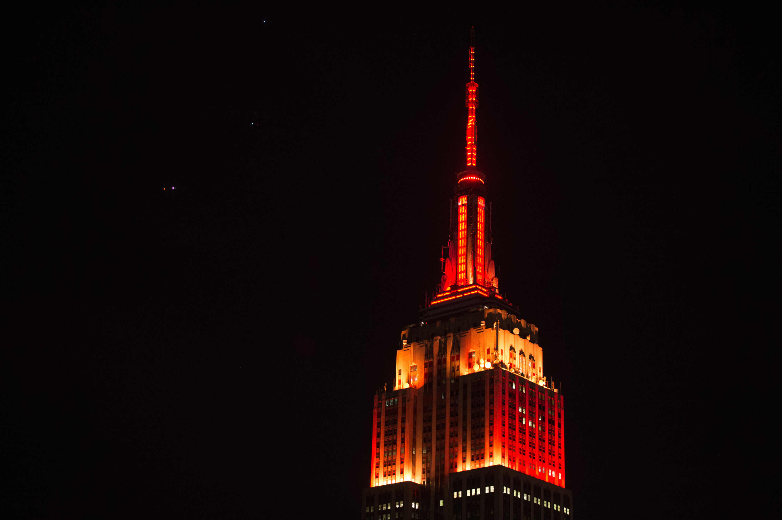 A Lunar New Year Light Show Will Illuminate The Empire State Throughout Empire State Building Lights Tonight