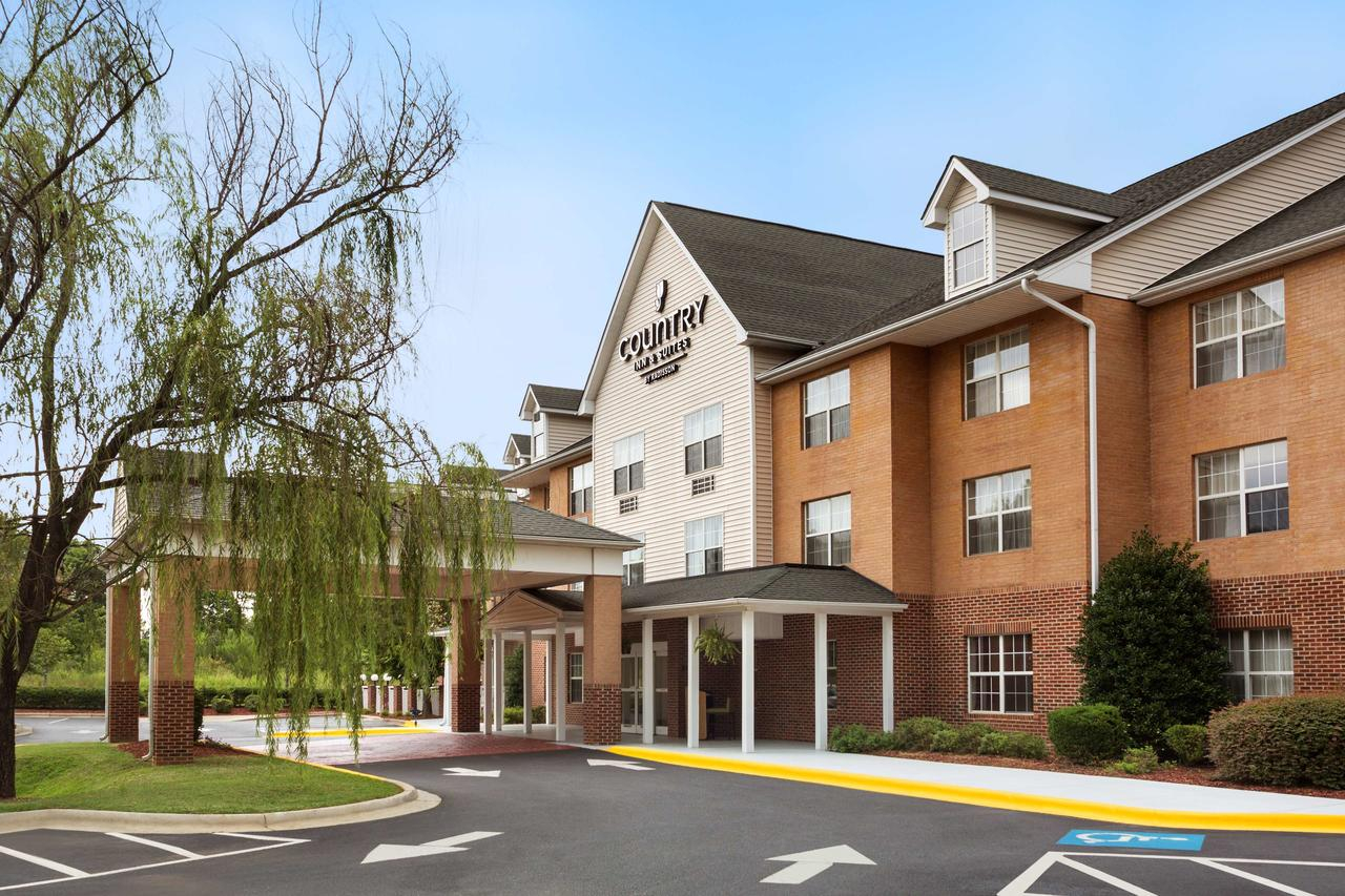 Country Inn & Suites Charlotte, Nc - Booking For Queens University Of Charlotte Calendar 2021
