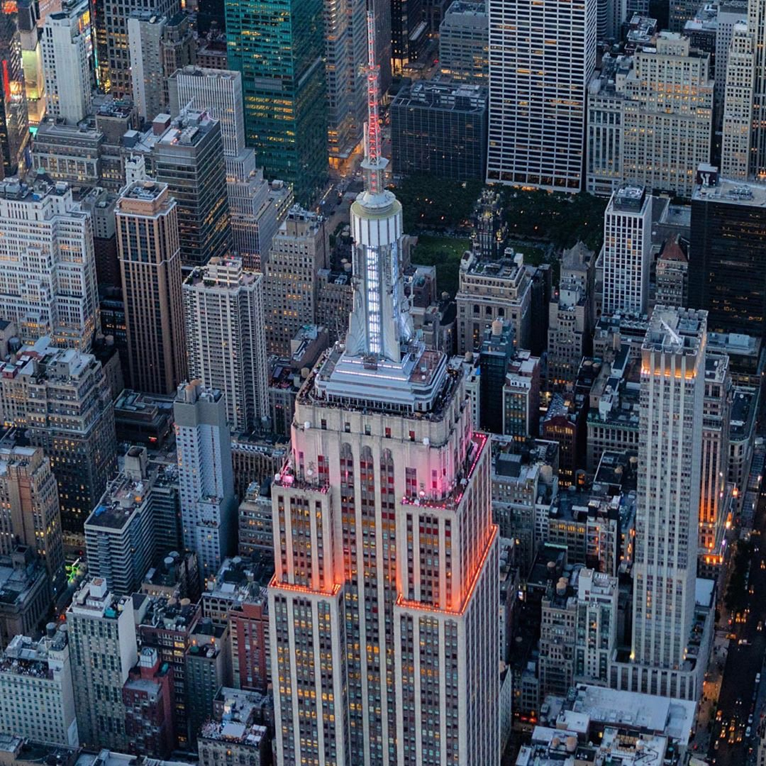 """Empire State Building On Twitter: """"looking To 📸 Us From With Empire State Building Lights Calendar"""