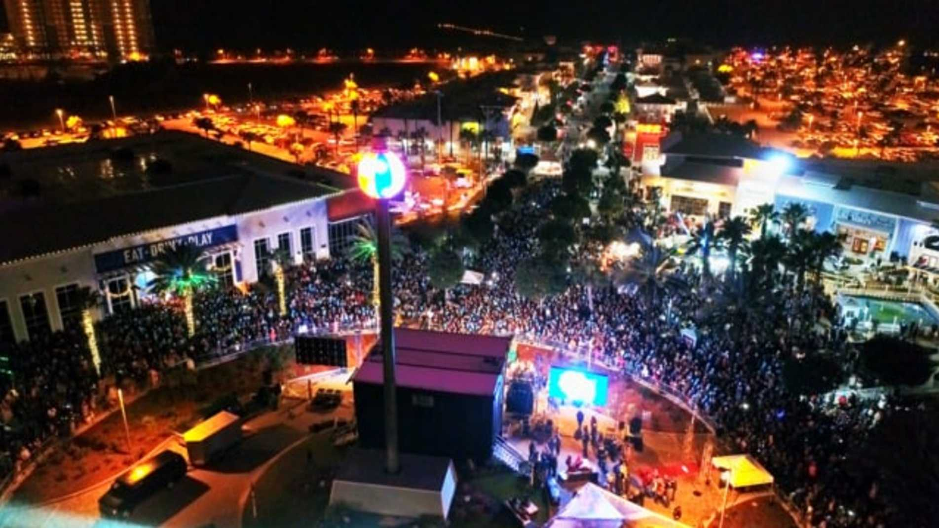 New Year's Eve Beach Ball Drop, Dec. 31, 2020 | Pcb Holiday With Regard To Panama City Beach Concerts February 2021
