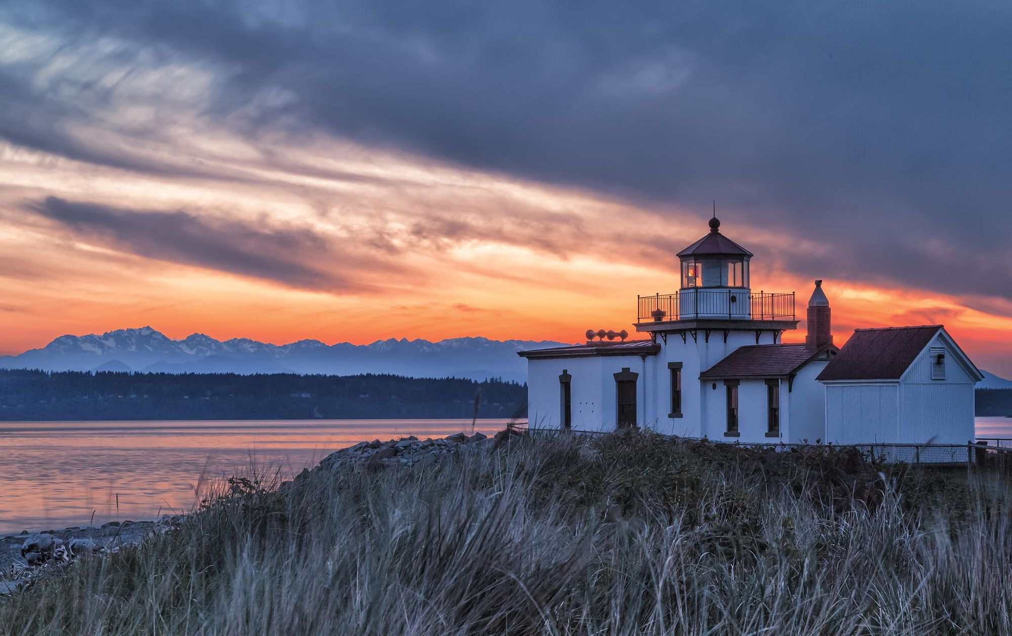 Seattle Sunset At The Discovery Park Lighthouse | Sunset Throughout What Time Is Sunset In Zip Code 98446