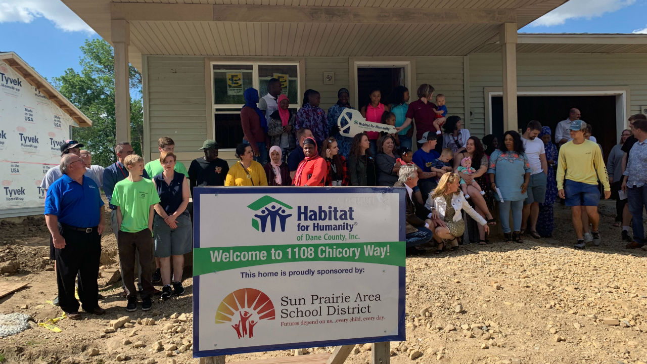Sun Prairie Students Dedicate Habitat For Humanity Home To With Sun Prairie Calendar School District