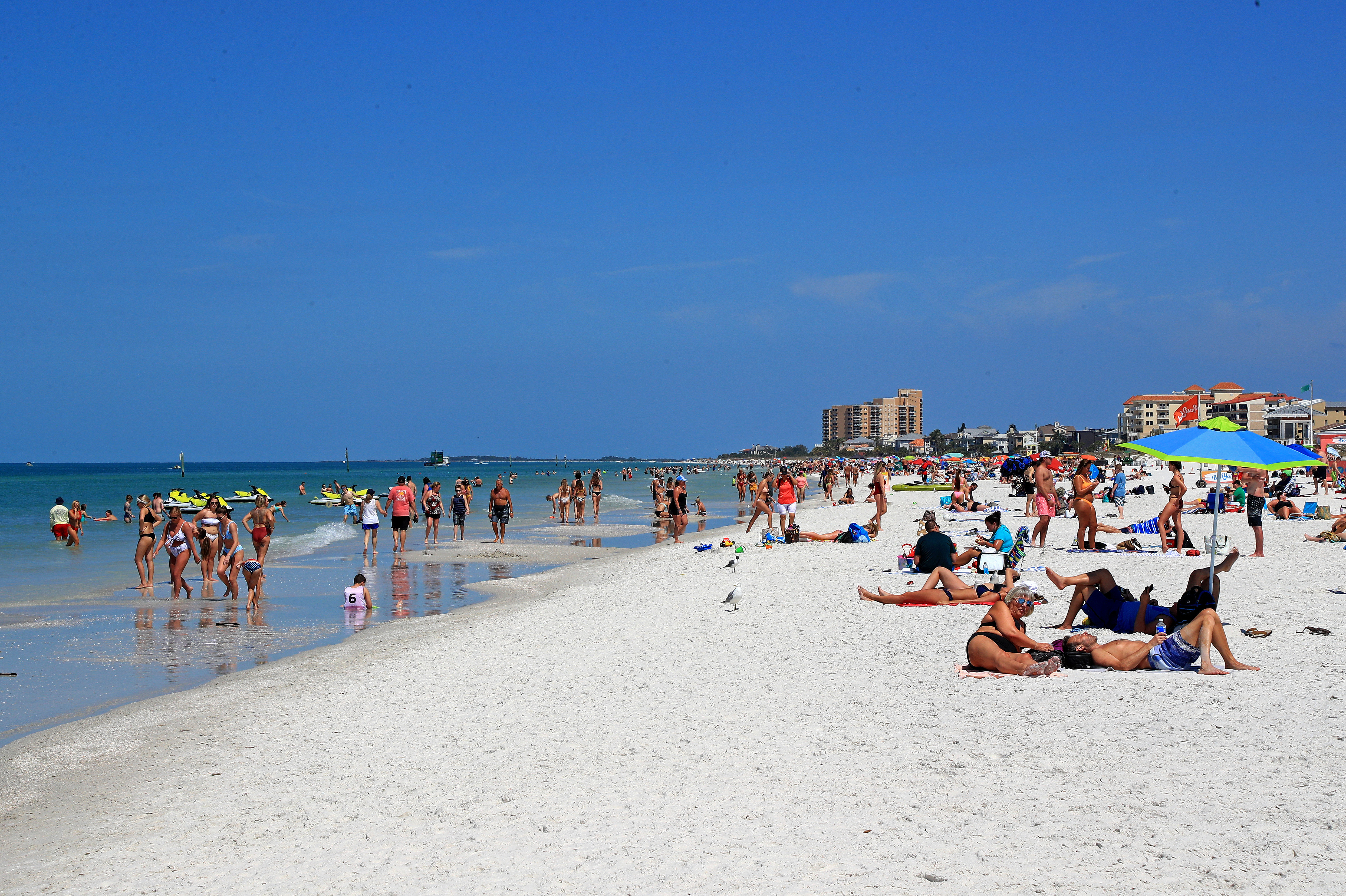 College Students Test Positive For Covid 19 After Spring Inside Tampa University Spring Break
