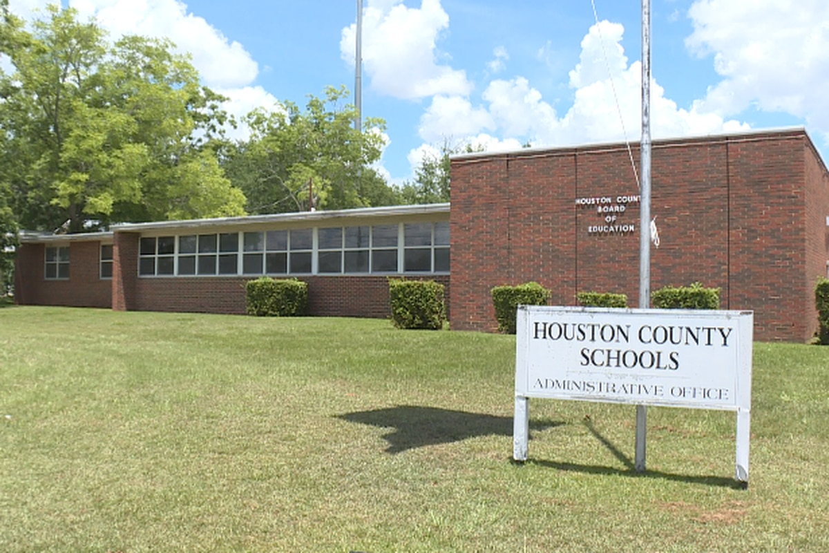 Houston County Schools Prepare For Upcoming School Year For Houston Countyboard Of Education Calendar 2021