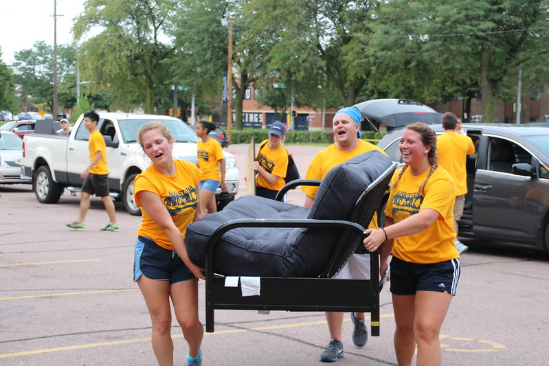 Class Of 2021 Arrives On Campus | Augustana University For Sioux Falls School District Calendar 2021 20