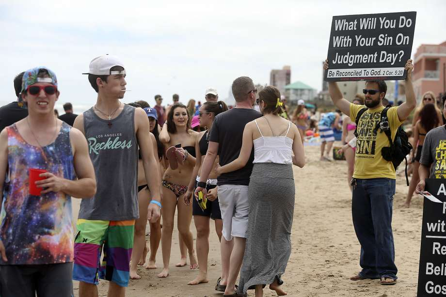 College Students Cut Loose For Spring Break – San Antonio With Spring Break In Austin Community College