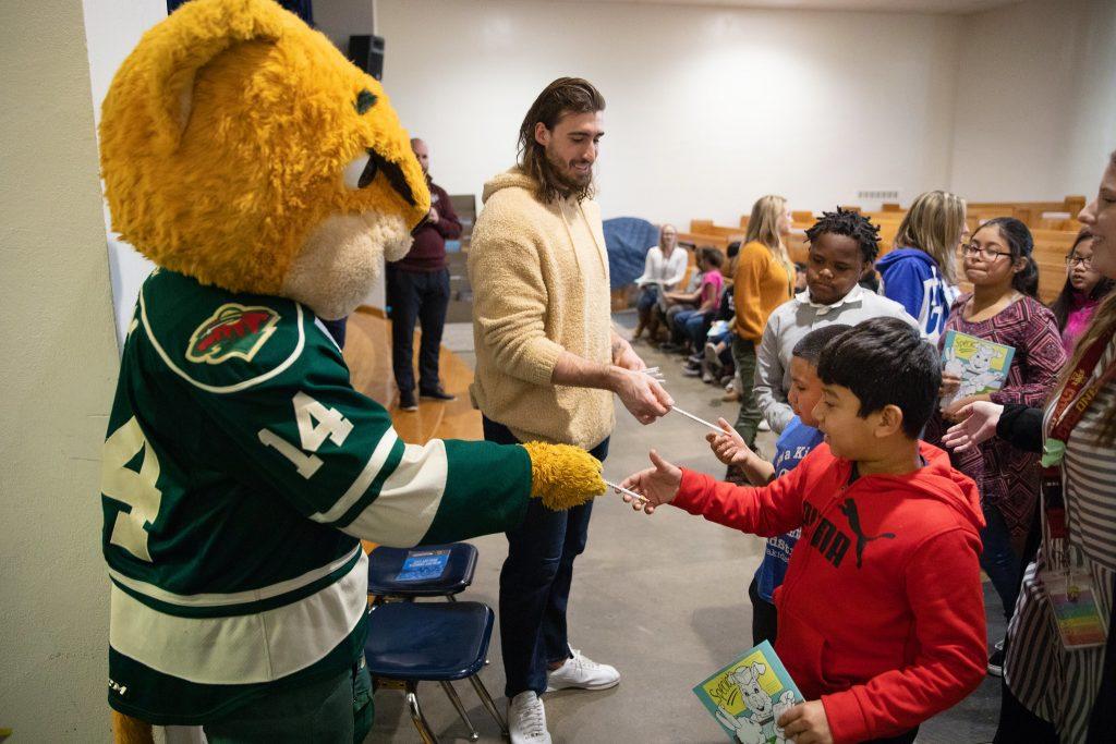 Iowa Wild Launch Healthy Living Program At Monroe School In Des Moines Public Schools Calendar