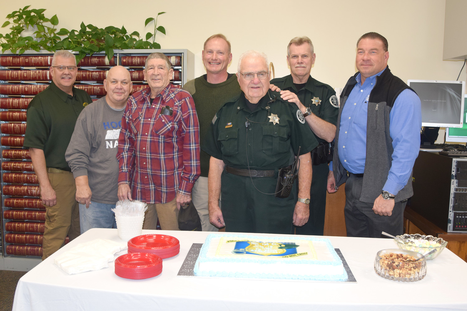 Pcso Court Officer Celebrates 90Th Birthday | Herald Citizen With Regard To Putnam Co Schools Cookeville Tn Calendar
