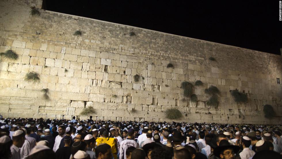 Photos: Jews Celebrate Rosh Hashanah Inside What Year Is It According To Jewish Calendar