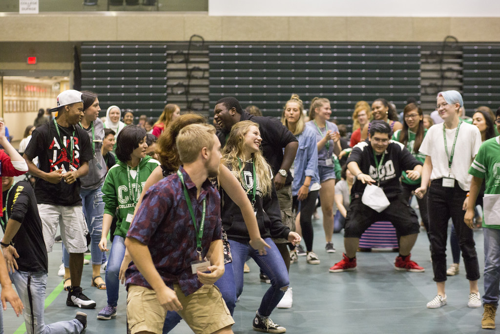 Fall 2018 New Student Orientation 21 | Hundreds Of With Regard To College Of Dupage Fall 19