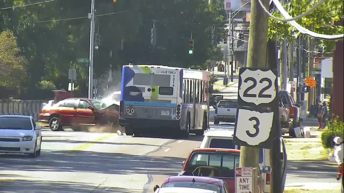 Raw: Crash Involving Car, Metro Bus Throughout Warren County Ky Spring Break
