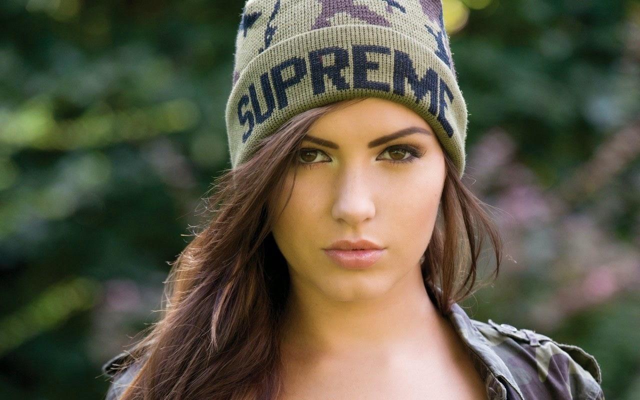 Sabine Jemelijanova Hottest Models In Uk Tabloid The Sun'S In Sun Page Three